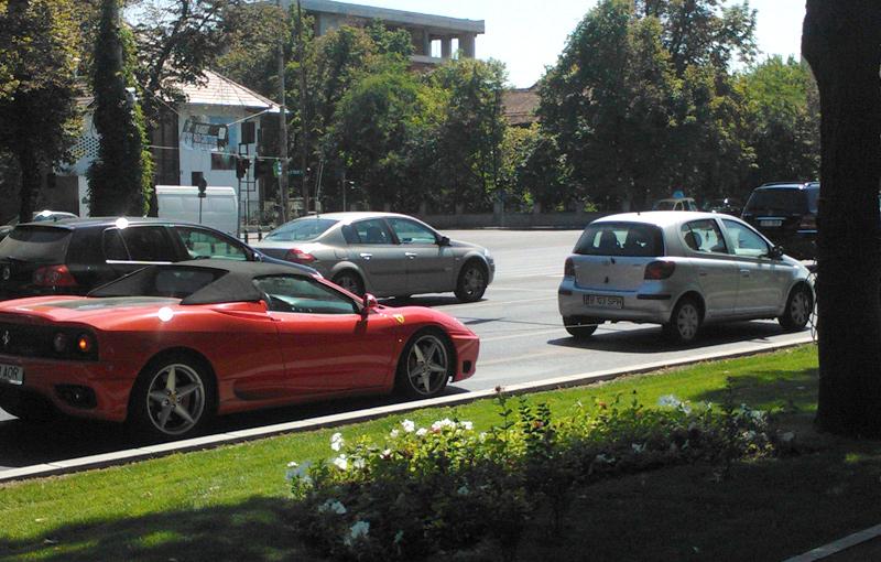 Ferrari tras cu şufa